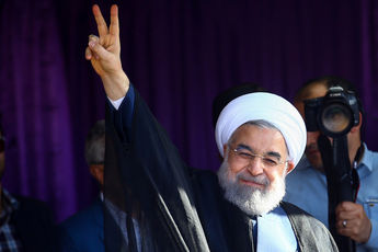 دو بیانیه حسن روحانی درباره انتخابات: اگر جلوی ستاد روحانی به روحانی ناسزا هم گفتند کاری نکنید / تا زمان رایگیری در خانه ننشینید! + عکس