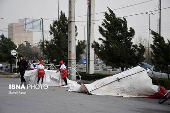 طوفان در سه استان/ شبکه برق نرمال است