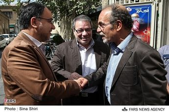 از تکرار چهرهها در دولت روحانی اعلام خطر میکنم