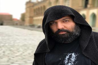 چهره ها4 نگاهی گذرا به زندگی علی اوجی از کار کردن کنار مهران مدیری تا اتهام باج گرفتن وی از خواننده ها توسط یک خواننده زیر زمینی!
