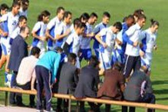 تمرین آبی ها با ۱۲ غایب، ابهام در برپایی اردوی پیش از بازی با الریان / خبرنگاران در ترکیب استقلال!