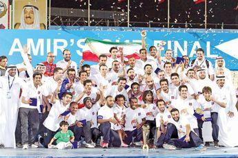 اهتزاز پرچم ایران در کویت توسط نکونام + عکس
