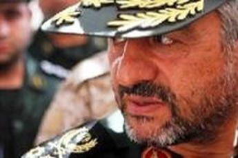 فرمانده کل سپاه به شهدای تازه تفحص شده ادای احترام کرد