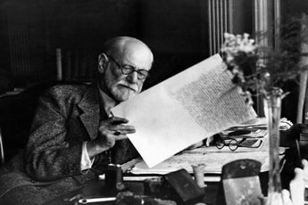 کتابی از فروید که بعد ۴۸ سال تازه چاپ شد / عکس