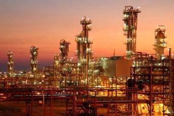 سقوط تولید پتروشیمی ایران در سال ۹۲ / پتروشیمی: شیر گاز مجتمع ها را بستند